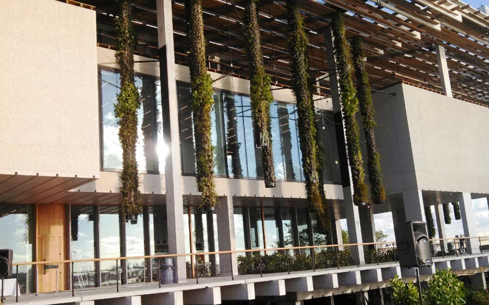 "Ronstan provided technical support and the structural tension rods and compression struts for the Hanging Gardens which were designed by world renowned Artist Patrick Blanc – the creator of the ""Living Wall"" and famous for his vertical gardens."
