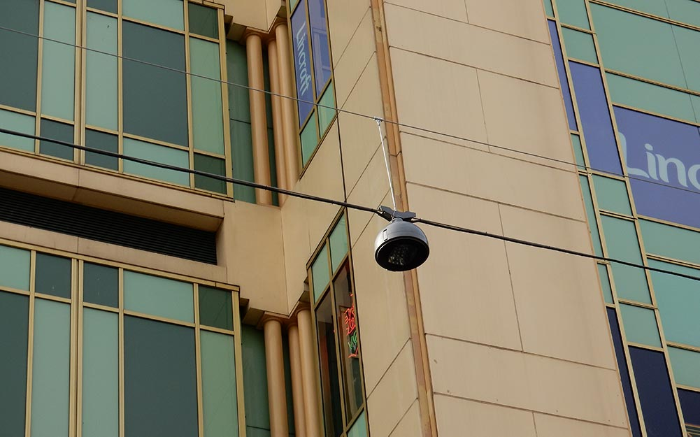 Detail of the Rundle Mall catenary lighting system
